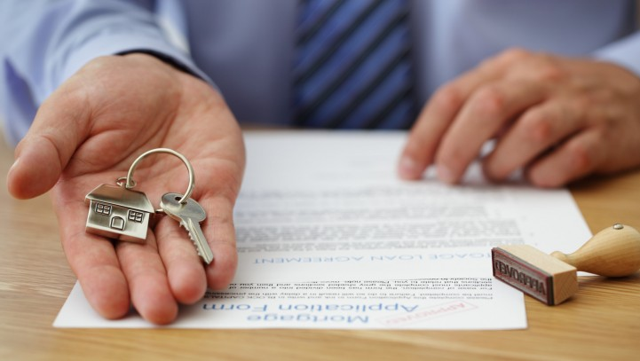 Why You Need A Lawyer When Buying A Home